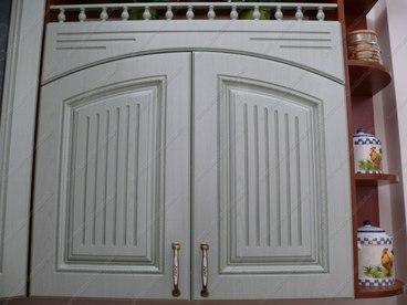 Фигурная дверь с коромыслом 2