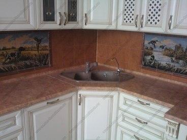 Кухня с фасадами из массива бука Ника белый с золотой патиной 4