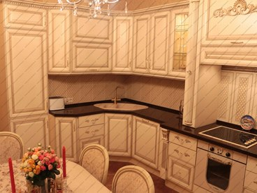 Кухня с фасадами Олимпия бук Белый с золотой патиной 2