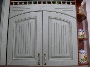 Фигурная дверь с коромыслом 1