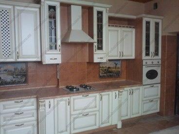 Кухня с фасадами из массива бука Ника белый с золотой патиной 1