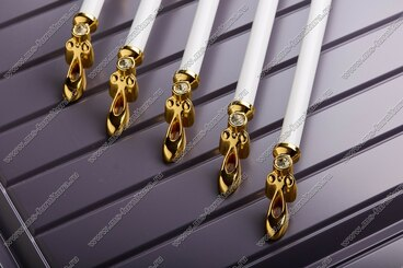 Ручка-скоба 224 мм золото/белый 834-224-V3/V6 4