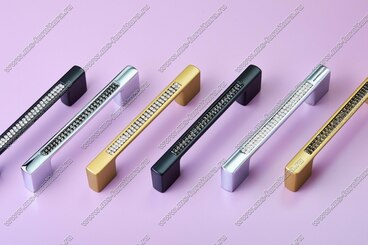 Ручка-скоба с черными стразами 96/128 мм хром 5379-06-06/011 4