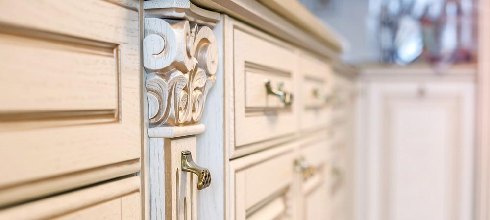 Декоративный деревянный элемент для кухни