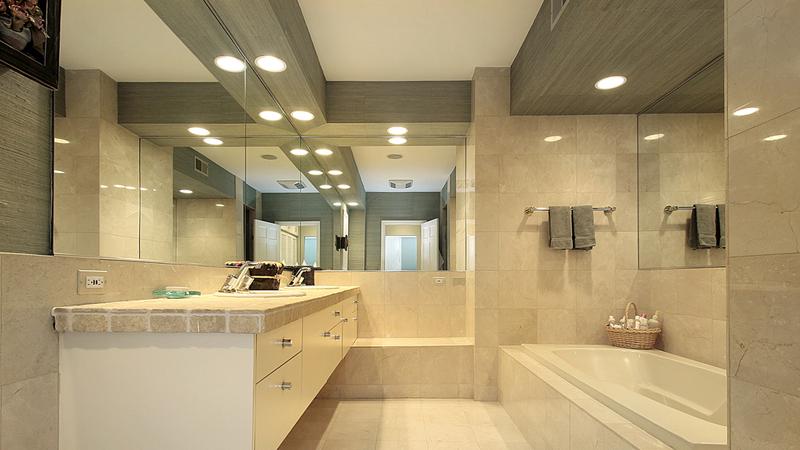 Светильники хай-так в ванной