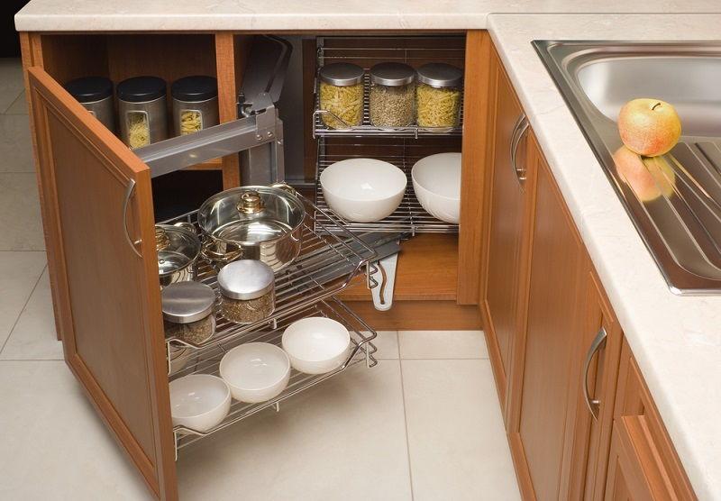 Внутренняя фурнитура кухни